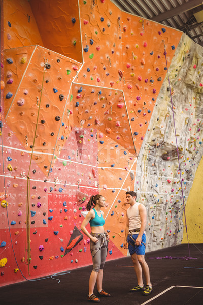 Geschikt paar rotsklimmen muur vrouw gymnasium Stockfoto © wavebreak_media