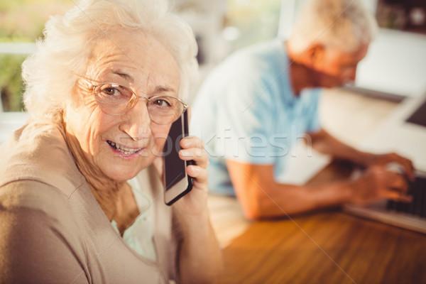 Idős nő telefonál hívás otthon nő telefon Stock fotó © wavebreak_media
