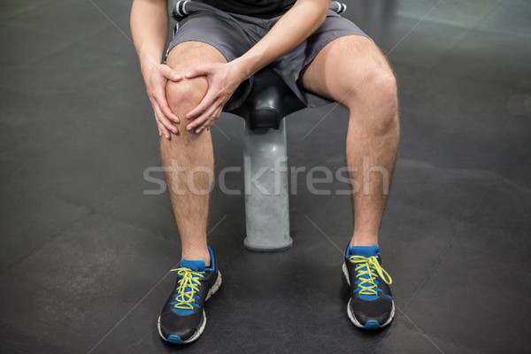 Man gewond knie vergadering gymnasium Stockfoto © wavebreak_media