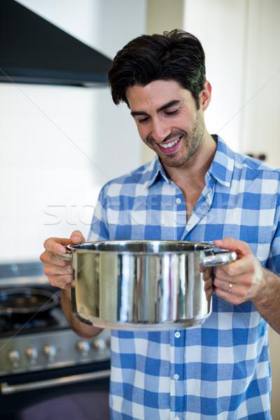 Jonge man keuken home voedsel man Stockfoto © wavebreak_media