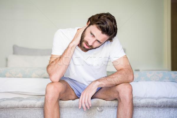 Uomo seduta letto home triste Foto d'archivio © wavebreak_media