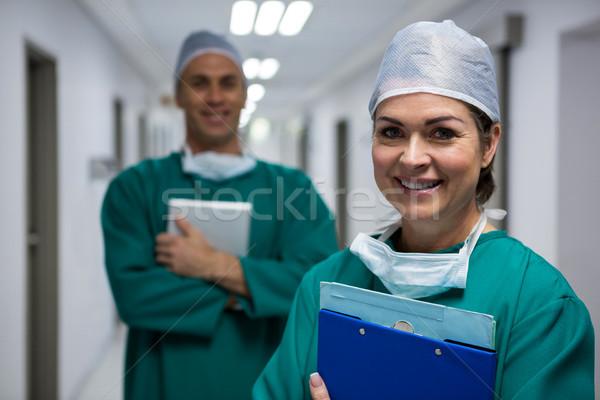 Stok fotoğraf: Portre · cerrahlar · ayakta · koridor · hastane · adam