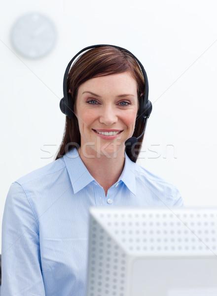 Atendimento ao cliente agente trabalhando call center negócio mulher Foto stock © wavebreak_media
