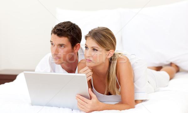 íntimo casal usando laptop amor internet homem Foto stock © wavebreak_media