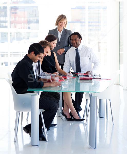 Női menedzser csapat iroda érett nő Stock fotó © wavebreak_media