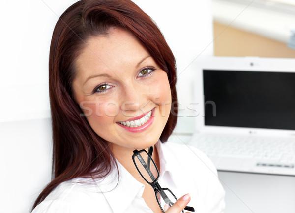 очаровательный деловая женщина сидят служба очки Сток-фото © wavebreak_media