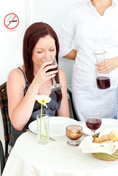 Feliz compañera potable vino restaurante amigo Foto stock © wavebreak_media
