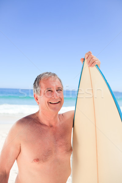 Volwassen man surfboard strand glimlach zomer mannen Stockfoto © wavebreak_media