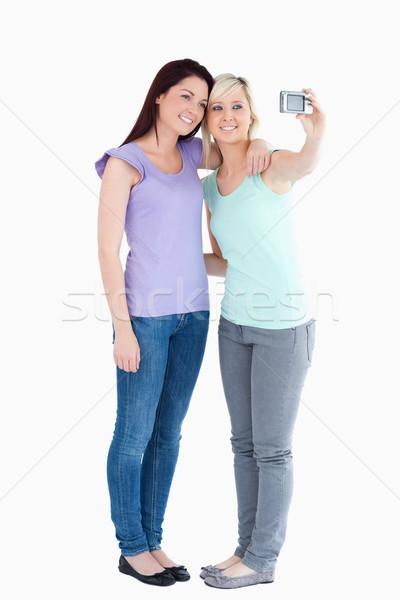 Frauen Kamera Studio Lächeln glücklich Stock foto © wavebreak_media