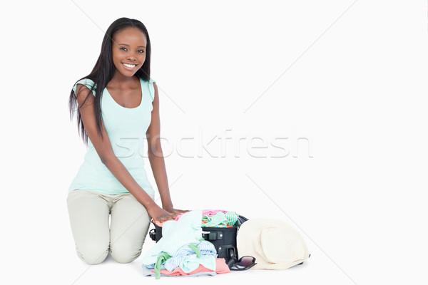 Stock fotó: Mosolyog · fiatal · nő · ruha · fehér · szépség · utazás