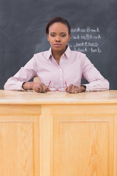 Grave maestro sesión escritorio aula escuela Foto stock © wavebreak_media