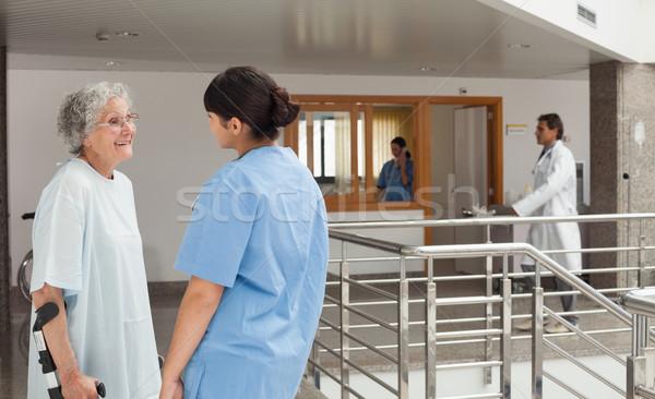 медсестры говорить пациент ходьбе больницу Сток-фото © wavebreak_media