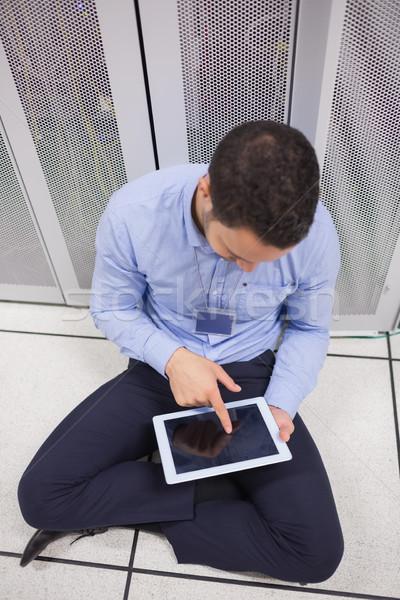 человека центр обработки данных сидят полу интернет Сток-фото © wavebreak_media