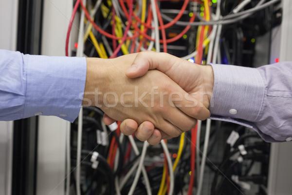Hand te schudden draden werk server kabel informatie Stockfoto © wavebreak_media
