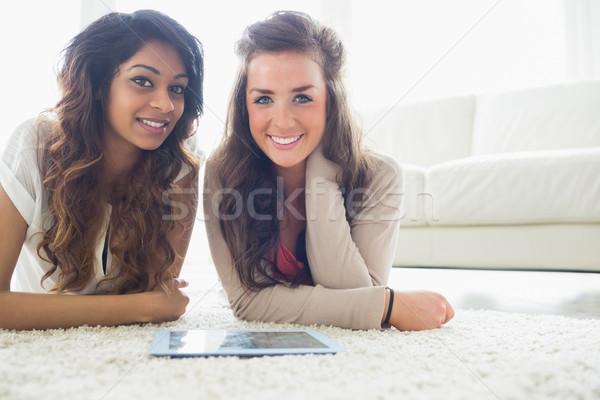 Twee vrienden vloer woonkamer leuk Stockfoto © wavebreak_media
