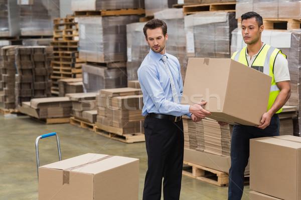 Foto stock: Armazém · trabalhador · gerente · caixa · juntos