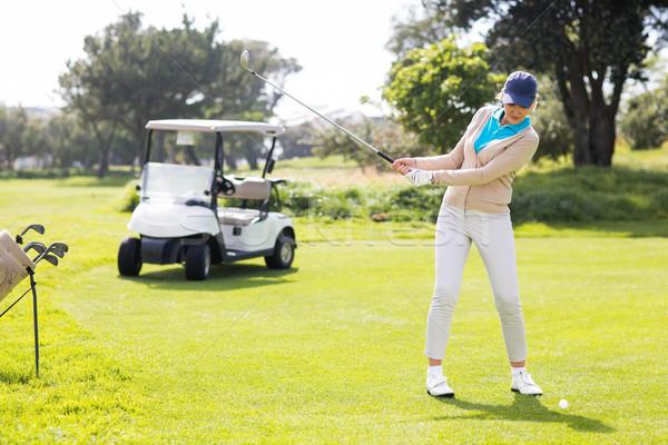 Női golfozó el napos idő golfpálya nő Stock fotó © wavebreak_media