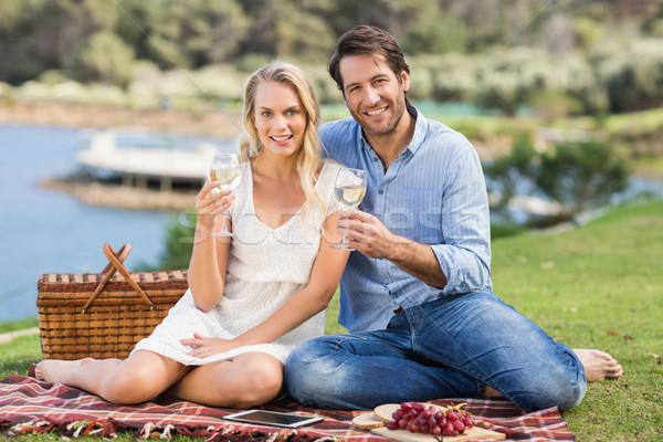 Couple date verre vin blanc portrait Photo stock © wavebreak_media