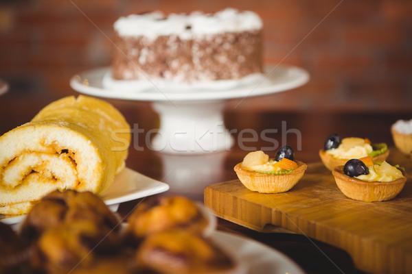 Néhány csemegék pult kávéház étel kávé Stock fotó © wavebreak_media
