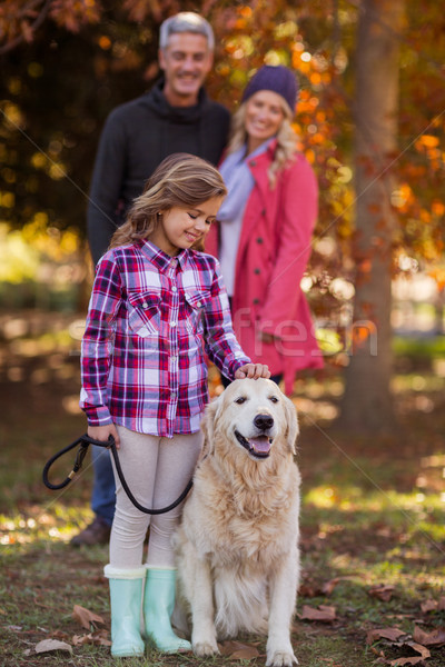 девушки собака родителей парка Постоянный человека Сток-фото © wavebreak_media