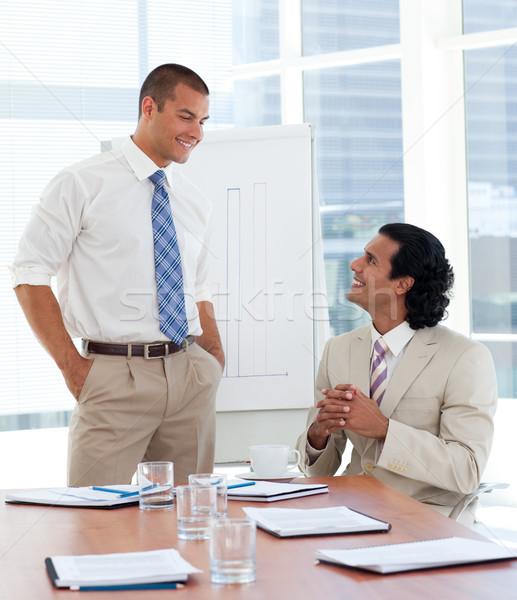 Zakenman presentatie bedrijf glimlach man vergadering Stockfoto © wavebreak_media