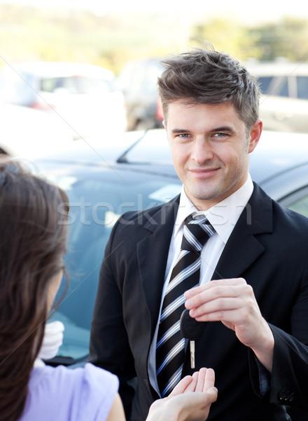 бизнесмен заседание коллега улице автомобилей улыбка Сток-фото © wavebreak_media