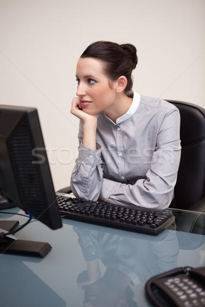 小さな 女性実業家 空想 職場 コンピュータ 表 ストックフォト © wavebreak_media