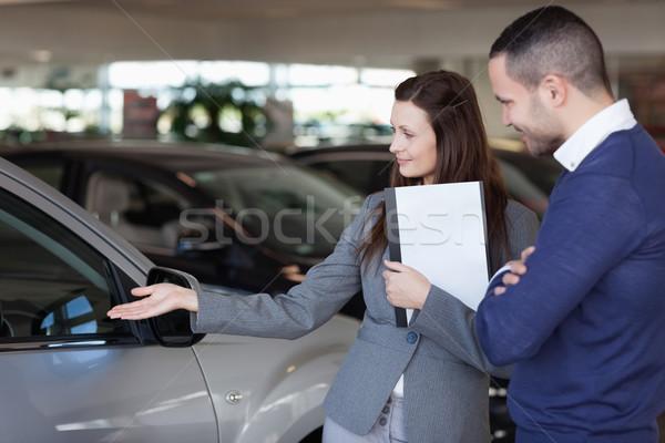 Man naar auto handel vrouw hand Stockfoto © wavebreak_media