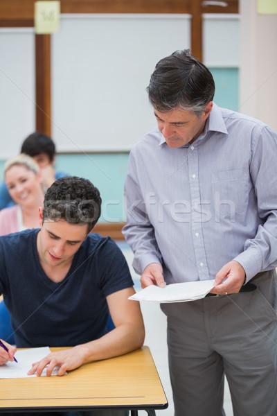 Stock fotó: Tanár · diák · osztályterem · férfi · munka · diákok