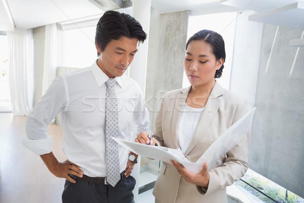 агент по продаже недвижимости аренда клиентов прихожей бизнеса Сток-фото © wavebreak_media