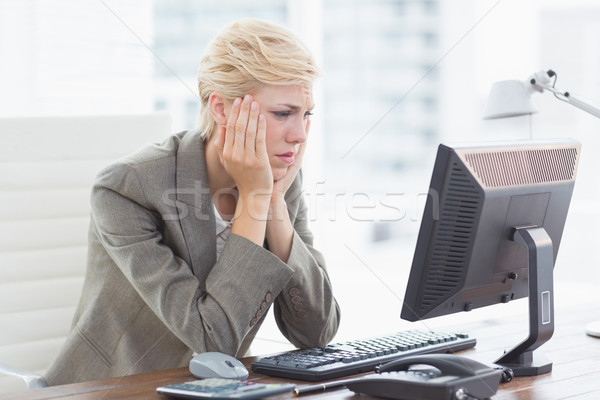Bunalımlı işkadını ofis bilgisayar kadın teknoloji Stok fotoğraf © wavebreak_media