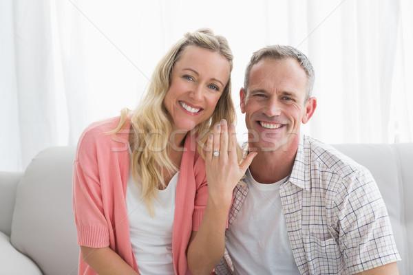 Boldog nő mutat eljegyzési gyűrű férfi otthon Stock fotó © wavebreak_media