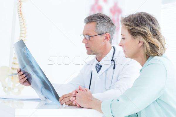 Médico Xray paciente médicos oficina Foto stock © wavebreak_media