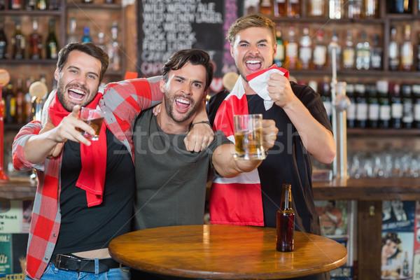 мужчины друзей Паб вечеринка Сток-фото © wavebreak_media