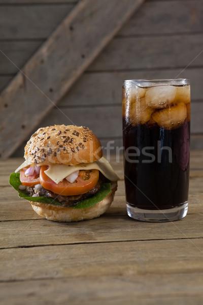Hamburguesa bebida fría mesa alimentos hielo Foto stock © wavebreak_media
