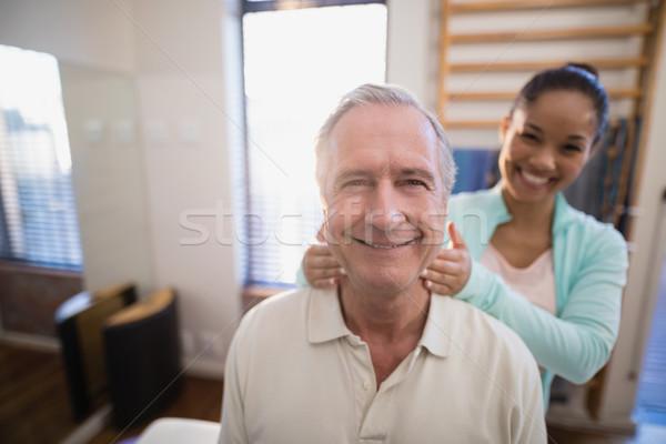 Retrato sorridente senior masculino paciente feminino Foto stock © wavebreak_media