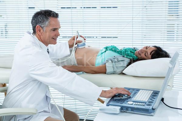 Mulher grávida ultra-som corpo hospital mulher médico Foto stock © wavebreak_media