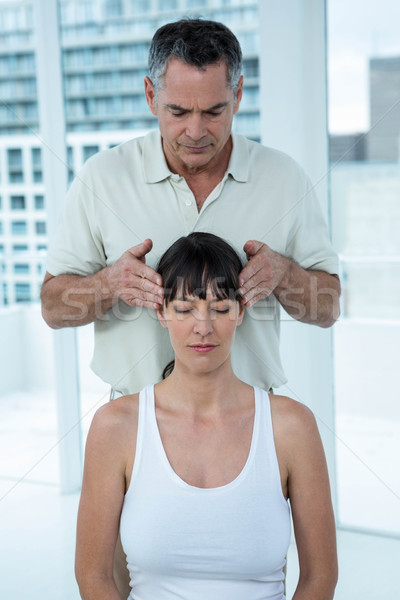 Kobieta w ciąży masażu masażysta głowie kobieta Zdjęcia stock © wavebreak_media