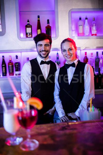 Foto stock: Retrato · camarero · camarera · sonriendo · restaurante · mujer