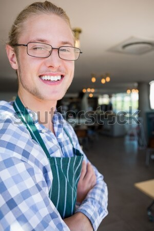 Retrato garçom sorridente restaurante homem bar Foto stock © wavebreak_media