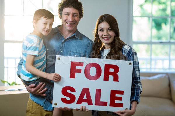 Casal em pé vendido assinar casa Foto stock © wavebreak_media