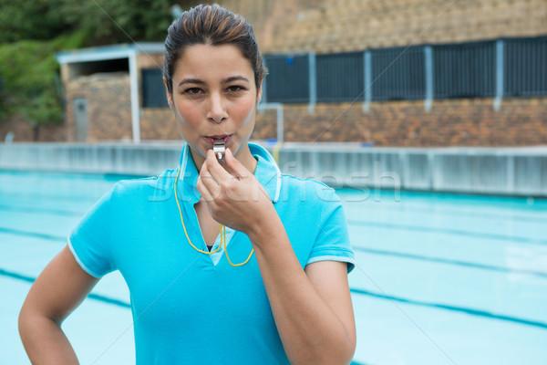 Feminino treinador assobiar verão treinamento Foto stock © wavebreak_media