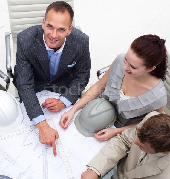 建築 男 ポインティング 計画 会議 ストックフォト © wavebreak_media
