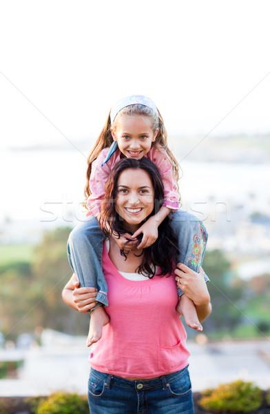 母親 娘 ピギーバック 小さな 女性 笑顔 ストックフォト © wavebreak_media