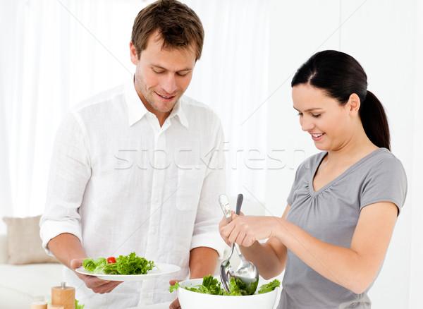 Boldog nő adag saláta fiúbarát ebéd Stock fotó © wavebreak_media