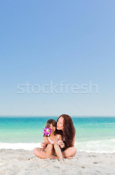 Küçük kız anne fırıldak su kız el Stok fotoğraf © wavebreak_media