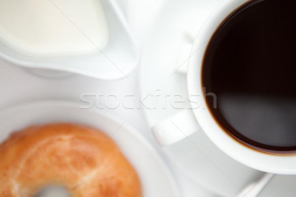 Zwarte koffie donut witte koffie achtergrond drinken Stockfoto © wavebreak_media