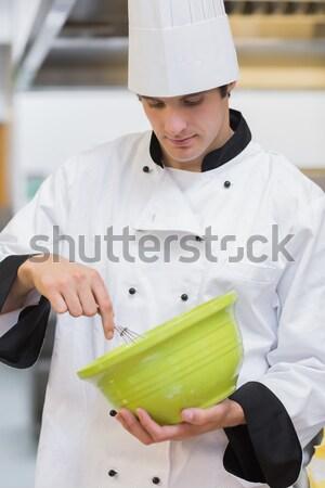 Szakács szedőlapát serpenyő férfi fehér munkás Stock fotó © wavebreak_media