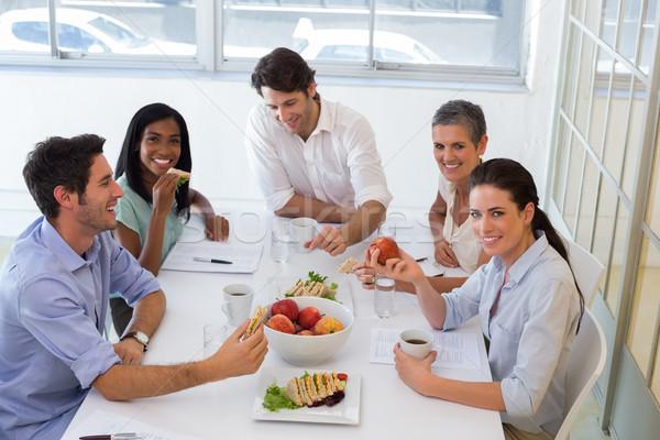 Trabajadores almuerzo oficina hombre Foto stock © wavebreak_media