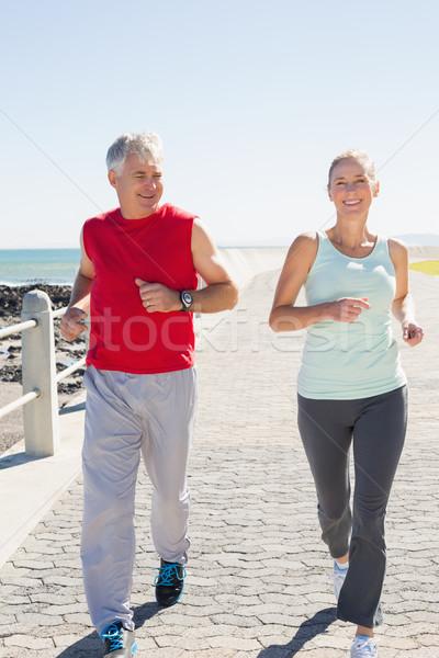 соответствовать зрелый пару бег пирс Сток-фото © wavebreak_media